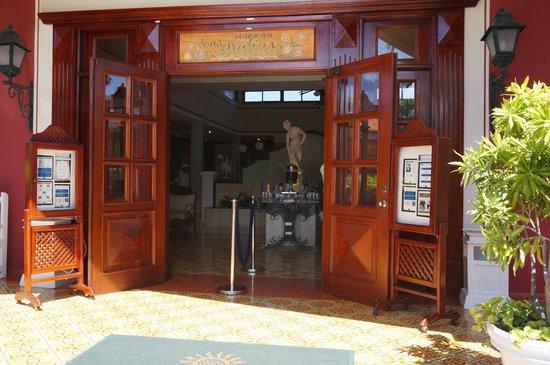 Grand Bahia Principe Turquesa : Buffet Las Dalias