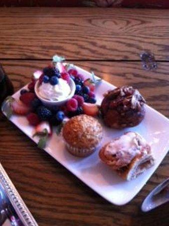 Lynfred Winery Bed & Breakfast : More Breakfast Treats