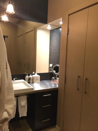 The Redbury Hollywood: bathroom