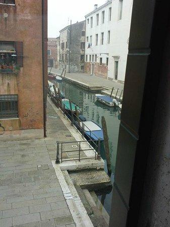Hotel Tiziano : Vista sul canale (2)