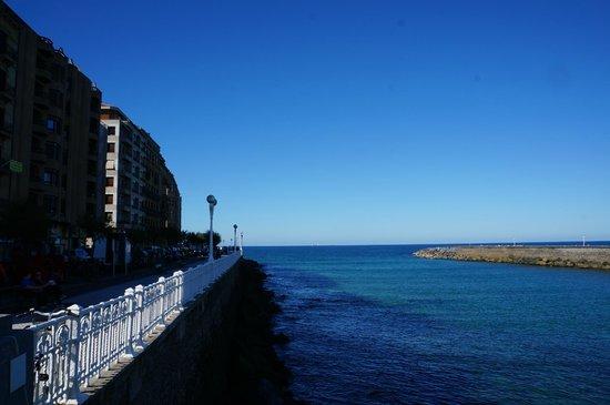 Playa de La Concha: Gorgeous views of the beach