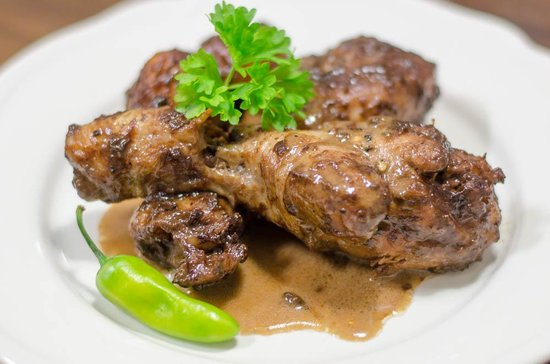 Noname Bar and Restaurant: Chicken Adobo