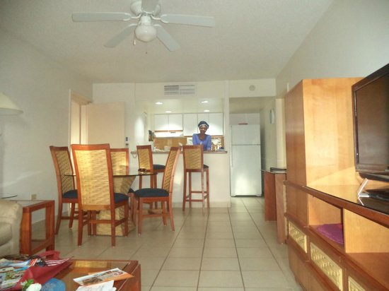 Caribbean Palm Village Resort : living room and kitchen
