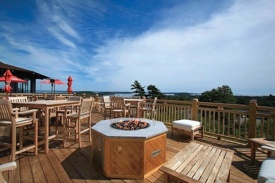 Wonder View Inn: Looking Glass Deck and Fire Pit