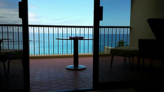 Mauna Kea Beach Hotel, Autograph Collection: Patio view