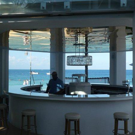 Azul Beach Resort Sensatori Jamaica by Karisma: Oceanfront Bar