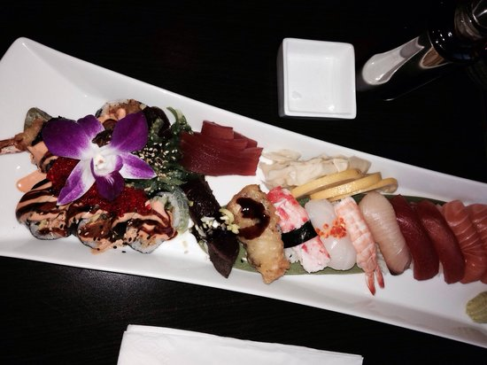 Sushi Delight: Nigiri delight med ekstaordre sashimi tuna. Alltid lekkert presentert! Dette er topp sushi
