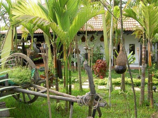 Areca Angkor Boutique: Hotel garden
