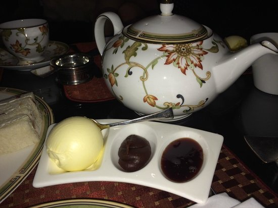 Amaranto Restaurant - Four Seasons Hotel London at Park Lane : Clotted Cream and preserve