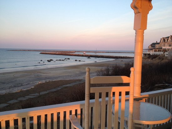 Avonlea, Jewel of the Sea: Sunset views on the porch