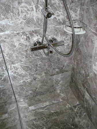 Yigitalp Hotel: noch mehr Dusche, alles ganz neu & hochwertig