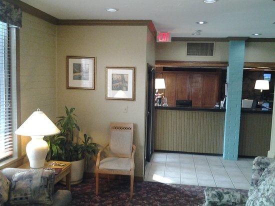 Raintree Inn: lobby area 1