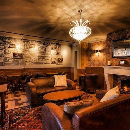Logis de France Hotel: Bar area