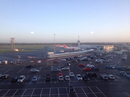 Holiday Inn Southend: View from Exec Room overlooking London Southend Airport