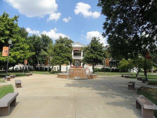 Raintree Inn: East Central University