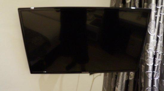 S Sukhumvit Suites : LCD u.a. auch mit HBO Pay-TV