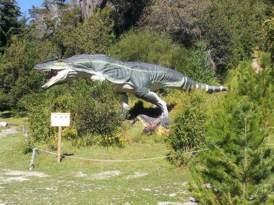 Parque Nahuelito: Figuras Prehistóricas I