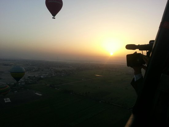 Dream Balloons: Zonsopkomst boven Valley of the Queens, Luxor