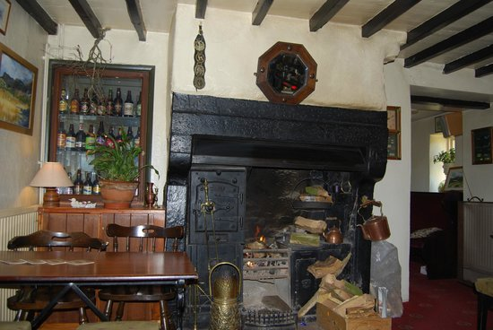 The Horse and Farrier Inn: Horse and Farrier, Dacre, Cumbria