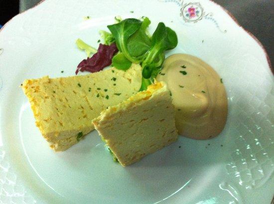 Itxas Etxe: Pastel de labrar o con salsa rosa