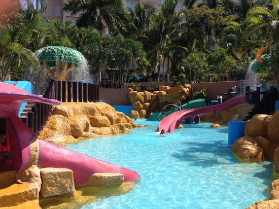 Azul Ixtapa Beach Resort & Convention Center: Kids pool area - not attached to main pools