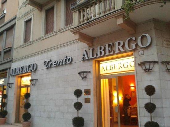 Hotel Albergo Trento: entrata