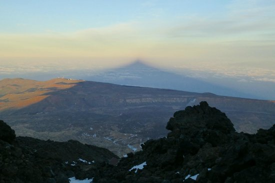Refugio de Altavista: Sunset view from Altavista - shadow of Teide