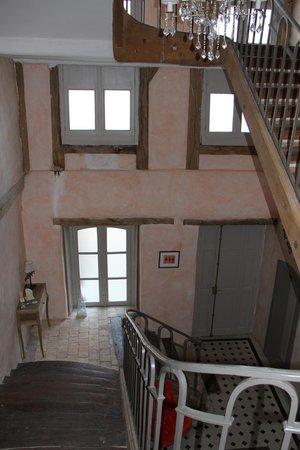 Maison Ailleurs: Staircase