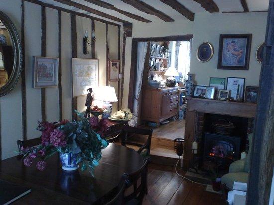 Denmark House: The Cosy Breakfast Room