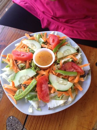 Big Mama's Cafe: Green salad