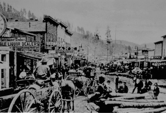 Deadwood Chamber of Commerce & Visitors Bureau: Historic Deadwood