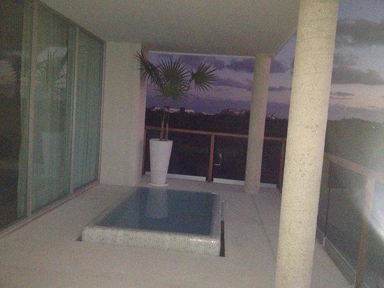 The Grand Bliss Riviera Maya: Patio with pool