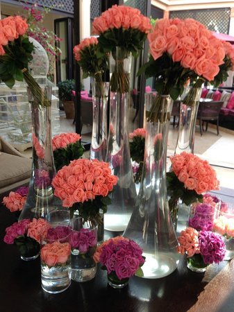 Four Seasons Resort Marrakech: Gorgeous Flowers in the Lobby