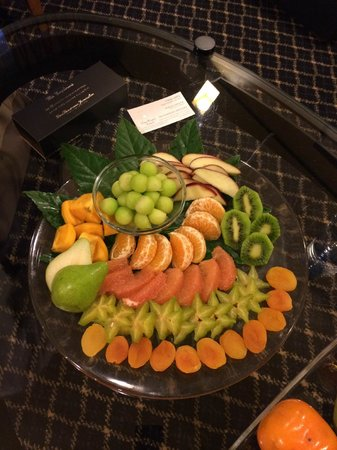 Dan Panorama Jerusalem: In suite fruit plate