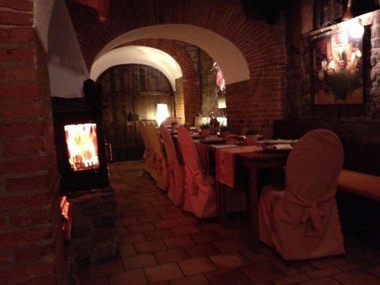 Schlossberg-Hotel: Das Restaurant im Gewölbekeller