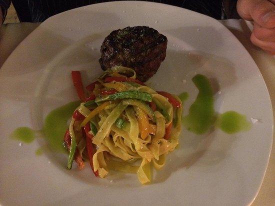 La Placeta Restaurante: Rinderfilet mit Paprika Targatelle : geschmacklich langweilig