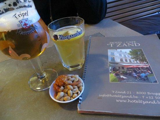 Hotel 't Zand : Sous la véranda du restaurant