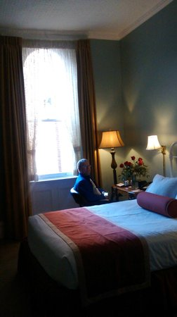 The Priory Hotel : Queen Bed Room