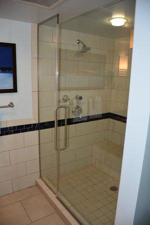 Marriott's Crystal Shores: Master Shower
