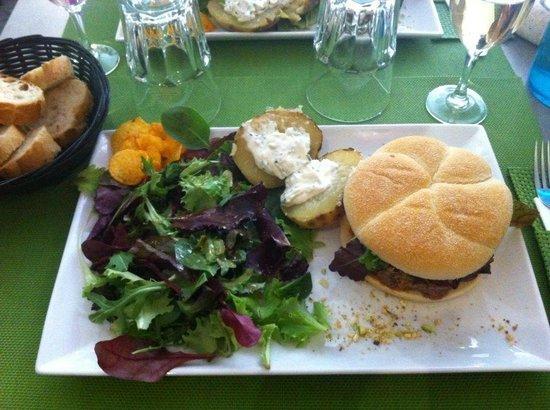 Le petit comptoir : Burger foie gras!