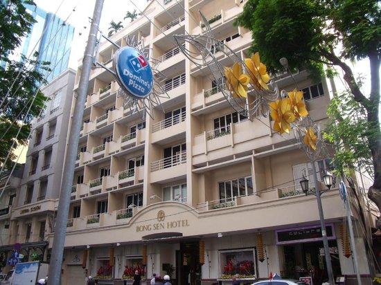 Bong Sen Hotel Saigon: Exterior view