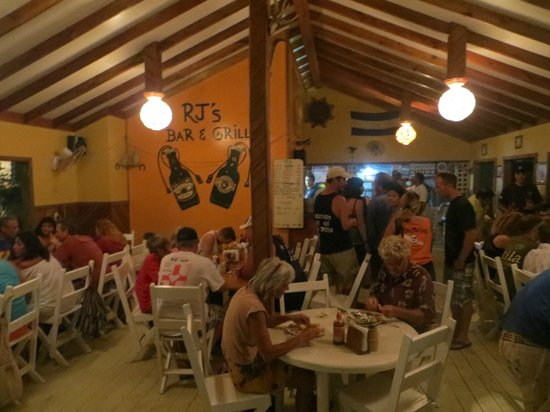 RJ's Barbecue: Inside the restaurant on a typically busy night