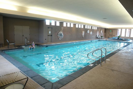 Indoor pool picture of the inn at entrada st george for Indoor pools in utah
