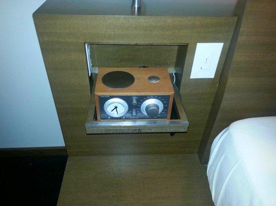 Hotel Le Germain Calgary : cool alarm clock