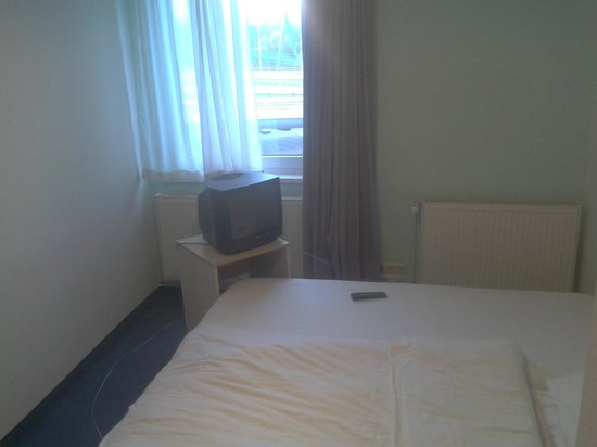 enjoy hotel Berlin City Messe : Zimmer