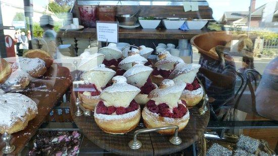 Jackman & McRoss: Raspberry Brioche with Raspberries and Freshh Cream