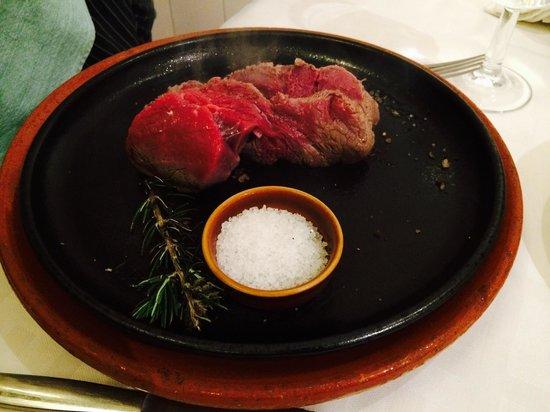Restaurant Siller: Zartes Rinderfilet mit Zubereitungserlebnis...