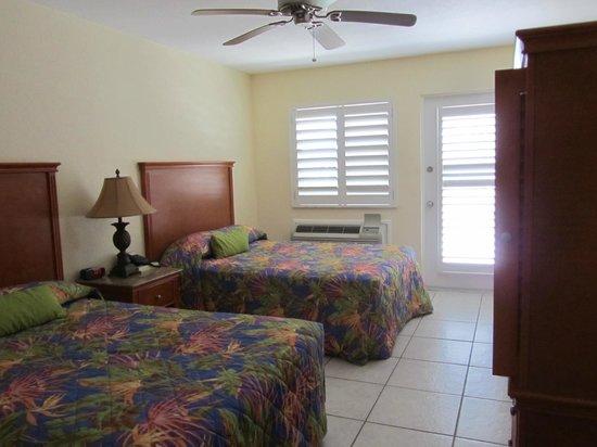 Cayman Brac Beach Resort : room