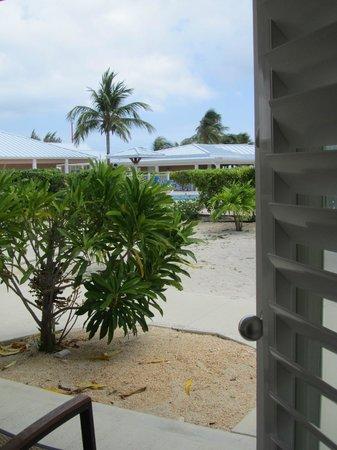 Cayman Brac Beach Resort : view from my ground-floor room towards pool