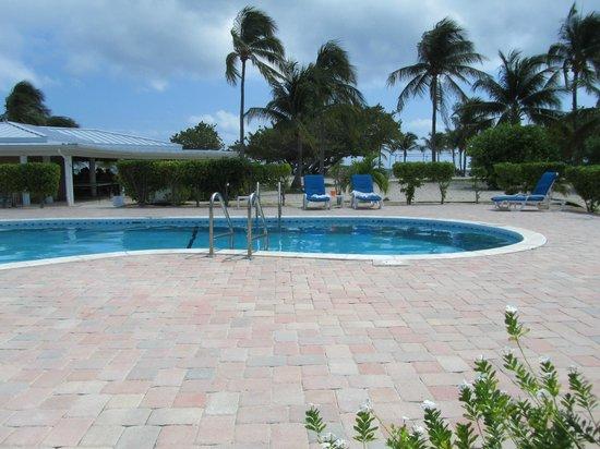Cayman Brac Beach Resort : pool